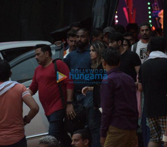 Photos Hrithik Roshan snapped in Mumbai (3)