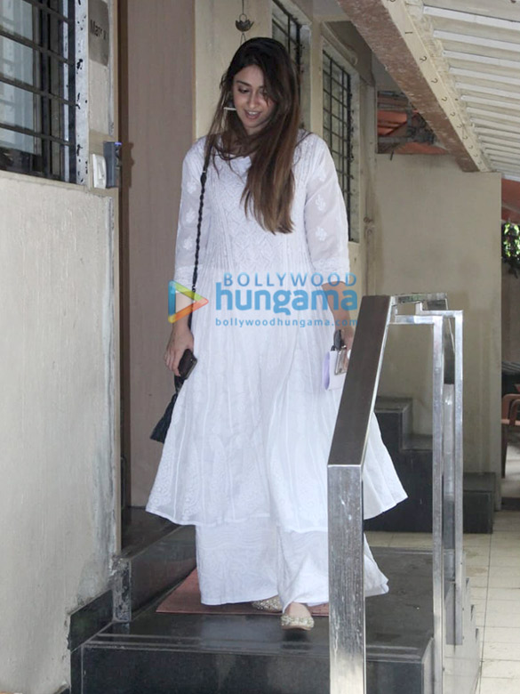 Photos: Ileana D'Cruz spotted at the Matrix office in Bandra