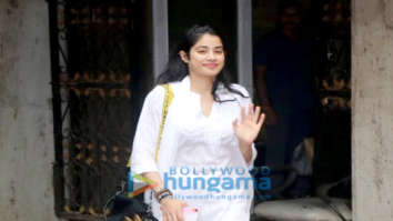 Photos: Janhvi Kapoor spotted outside her pilates class