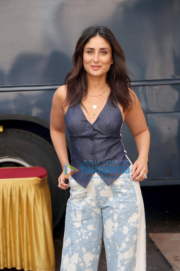 Photos Kareena Kapoor Khan spotted at Mehboob Studio in Bandra for Ishq 104.8 FM (3)