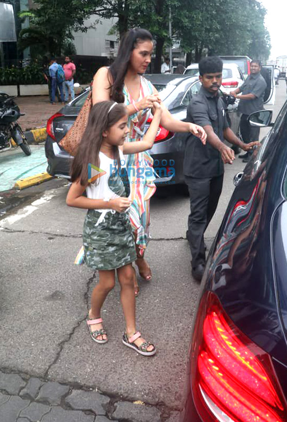 Photos Lara Dutta spotted at Yauatcha in BKC (3)