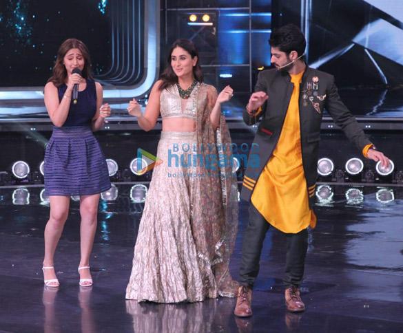 Photos Saroj Khan snapped on sets of Dance India Dance (2)