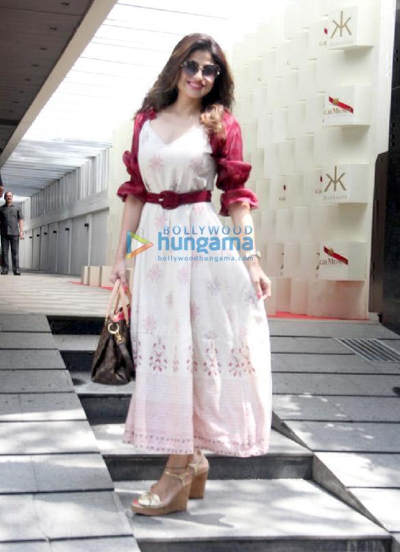 Photos Sonam Kapoor Ahuja, Shilpa Shetty, Jacqueline Fernandez and others spotted at Hakkasan in Bandra (2)