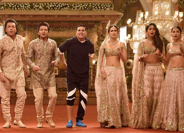 Box Office - Akshay Kumar led Housefull 4 has the biggest opening for Sajid Nadiadwala's Housefull franchise