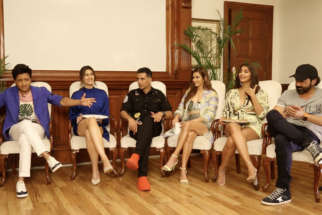 FUN GALORE Housefull 4 Star Cast's DHAMAKEDAR Rapid Fire Akshay Riteish Bobby Kriti Pooja