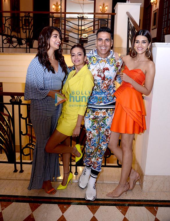 Photos Akshay Kumar, Pooja Hegde, Kriti Kharbanda, Kriti Sanon and Bobby Deol snapped promoting their film Housefull 4 in Delhi (1)