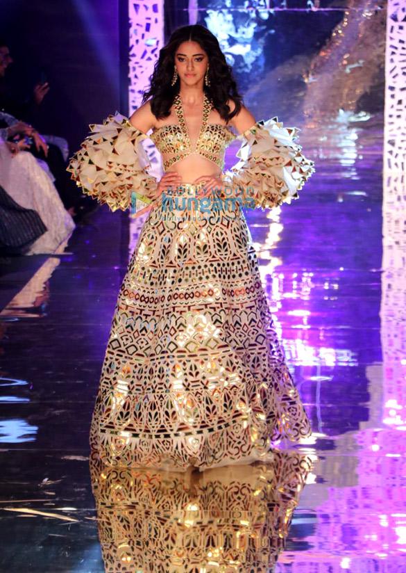 Photos Celebs grace Abu Jani and Sandeep Khosla's fashion show1 (4)