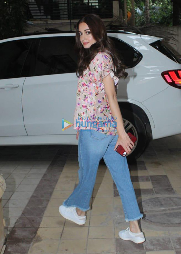 Photos Dia Mirza spotted in Khar (1)