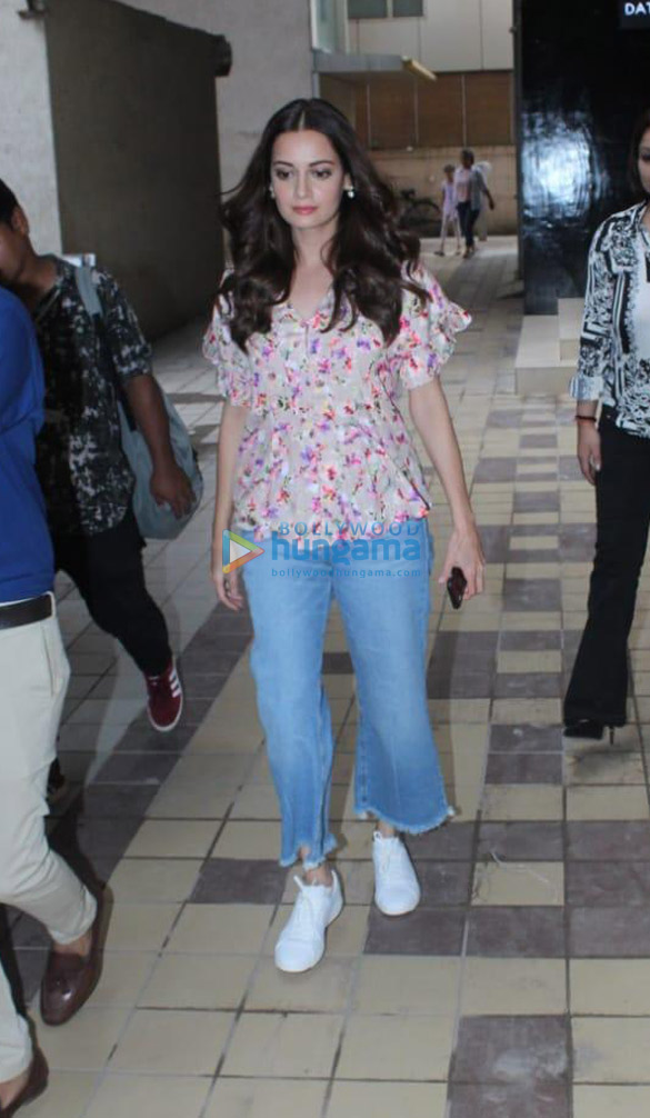 Photos Dia Mirza spotted in Khar (2)