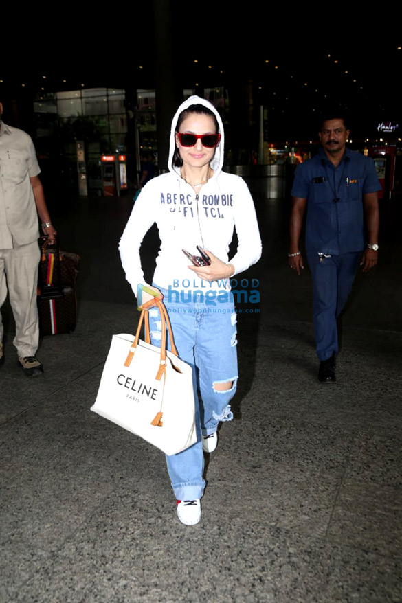 Photos: Katrina Kaif, Ameesha Patel and others snapped at the airport