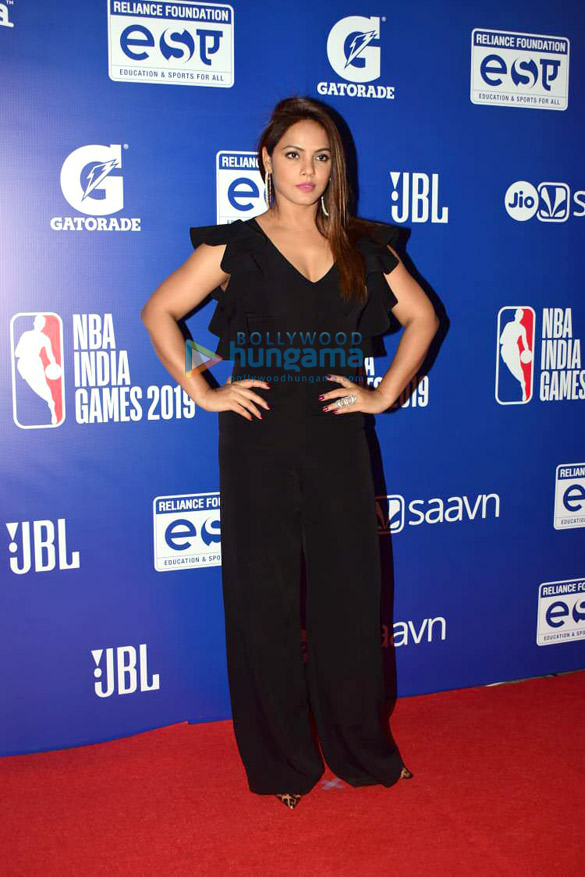 Photos Malaika Arora, Sonam Kapoor Ahuja and others grace the red carpet of NBA India Games 20191 (2)