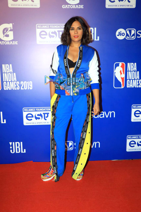 Photos Malaika Arora, Sonam Kapoor Ahuja and others grace the red carpet of NBA India Games 20192 (8)