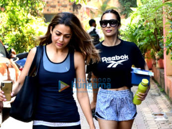 Photos Malaika Arora and Amrita Arora spotted after yoga class in Bandra (1)