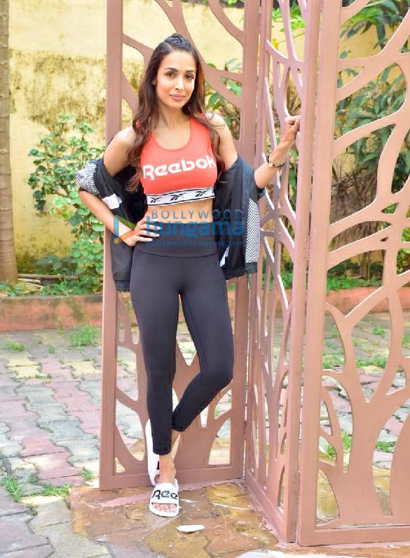 Photos Malaika Arora and Sophie Choudry snapped at Diva Yoga Studio in Bandra (6)