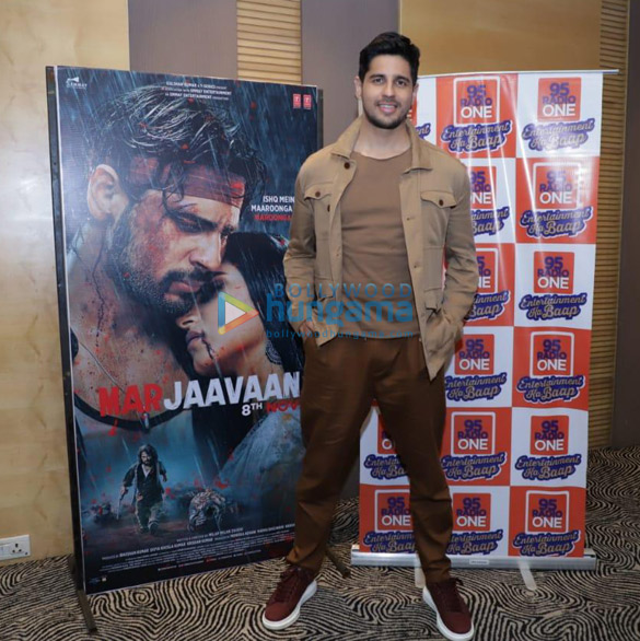 Photos Sidharth Malhotra and Tara Sutaria snapped promoting their film Marjaavaan in Ahmedabad (2)