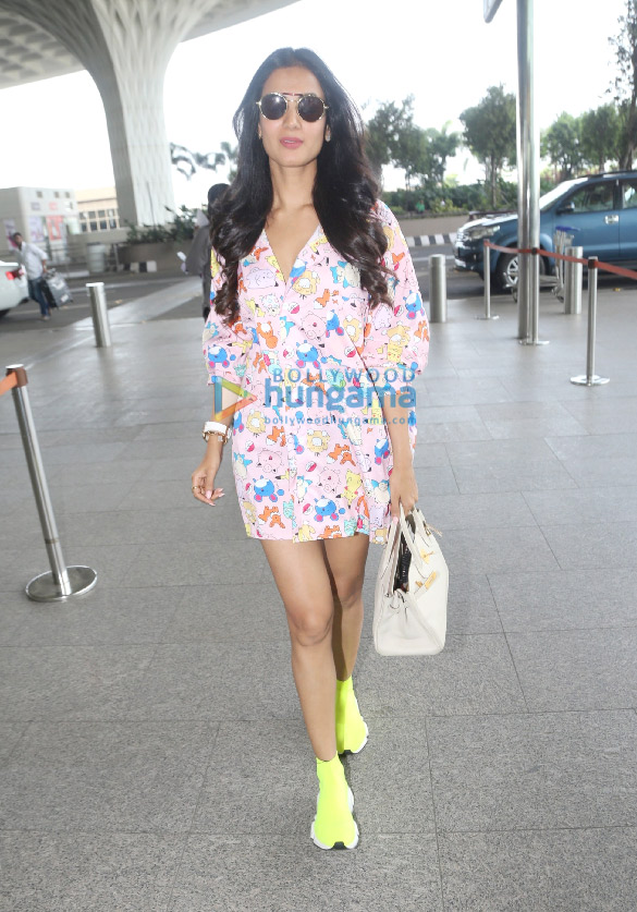 Photos Sonal Chauhan snapped at the airport (1)