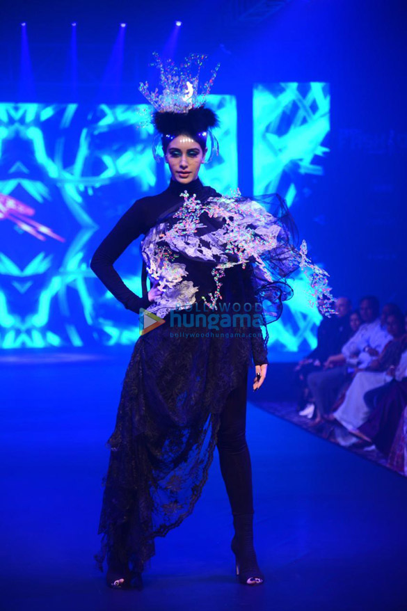 Photos Warina Hussain walks the ramp as the show stopper at Tech Fashion Tour 2019 (1)