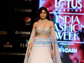 Photos: Soha Ali Khan, Sharmila Tagore and others walks the ramp at the Lotus Makeup India Fashion Week 2019