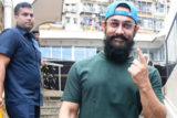 WATCH Aamir Khan cast his Vote in Mumbai