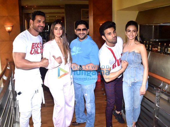 Photos John Abraham, Anil Kapoor and others snapped promoting their film Pagalpanti (1)