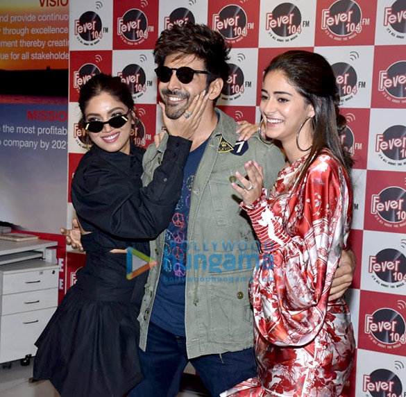Photos Kartik Aaryan, Bhumi Pednekar and Ananya Panday snapped promoting their film Pati Patni Aur Woh at the Fever 104 FM office (5)