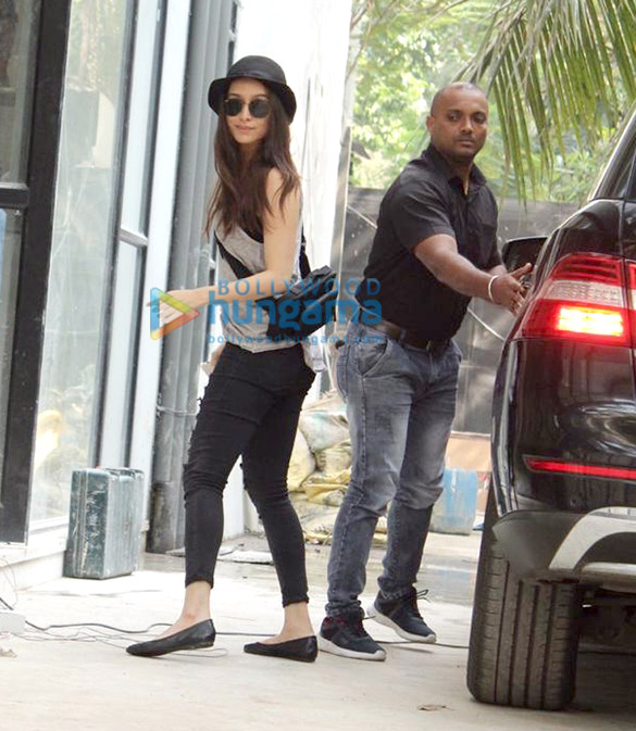 Photos Shraddha Kapoor spotted at Maddock Films' office (2)