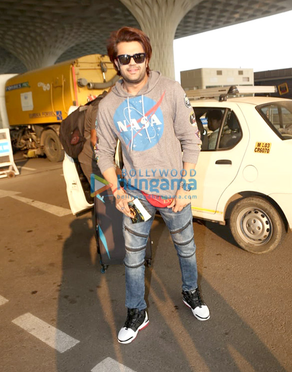 Photos: Ranveer Singh, Deepika Padukone, Shriya Saran and others snapped at the airport