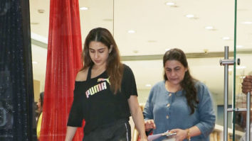 Sara Ali Khan & Amrita Singh spotted at Vandana Cloth Store, Khar