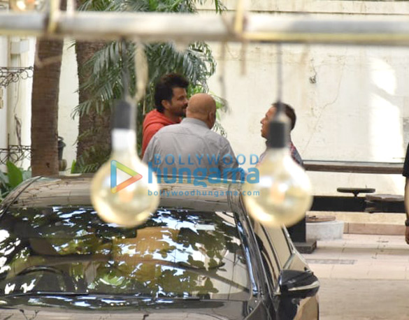 Photos Anil Kapoor snapped at a dubbing studio in Juhu (3)