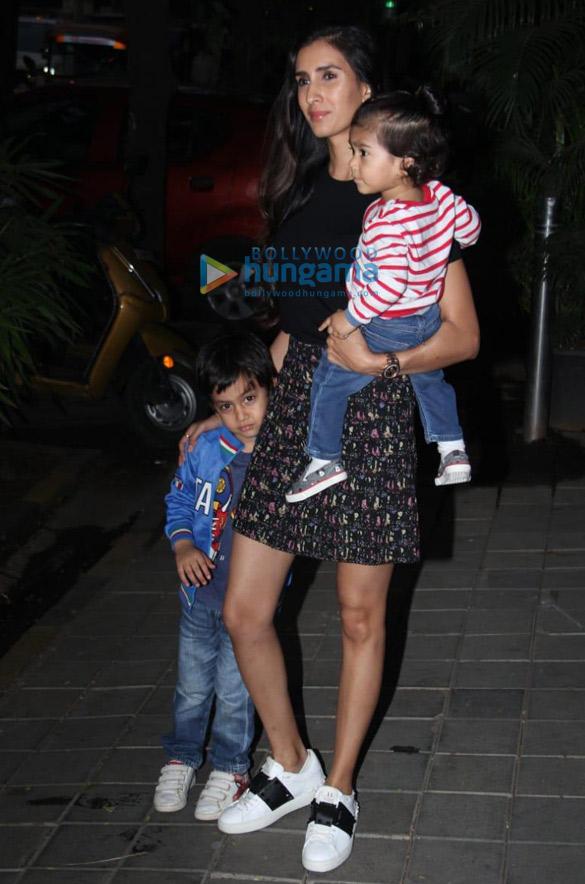 Photos Celebs snapped at Aayush Sharma and Arpita Khan's Christmas party (6)