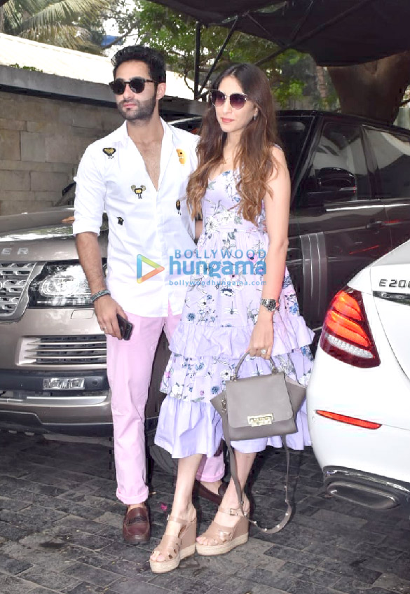 Photos Celebs snapped at Kunal Kapoor's Christmas brunch in Juhu2 (3)