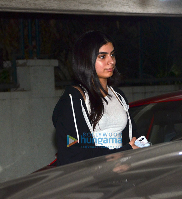 Photos Janhvi Kapoor, Khushi Kapoor, Shanaya Kapoor and Boney Kapoor grace Anshula Kapoor's birthday bash (4)
