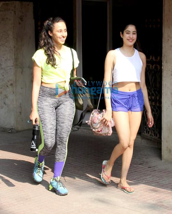 Photos Janhvi Kapoor and Namrata Purohit spotted at the Pilates gym (1)