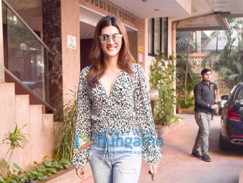 Photos: Kriti Sanon snapped at Kwan office in Andheri