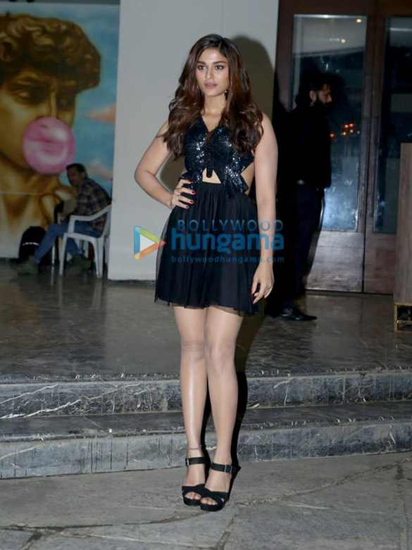 Photos Salman Khan, Sonakshi Sinha, Daisy Shah and others grace Saiee Manjrekar's birthday bash (11)