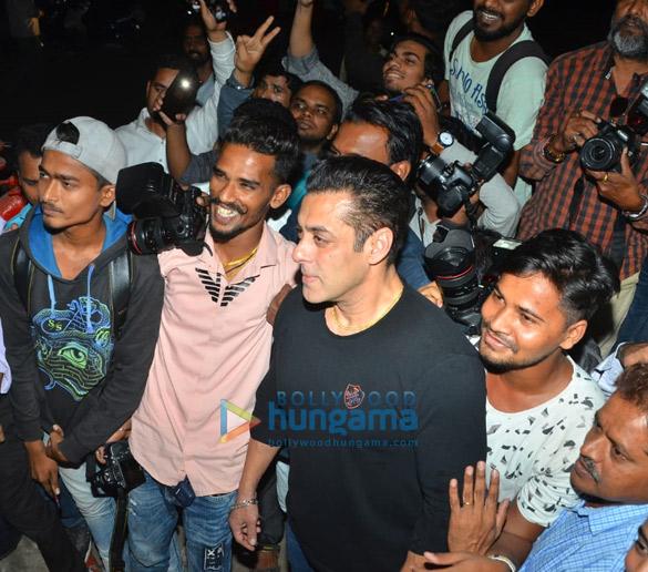 Photos Salman Khan celebrates his birthday with media (8)