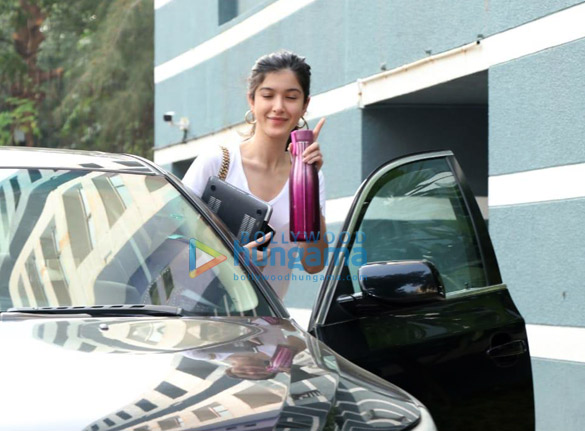 Photos Shanaya Kapoor spotted at a dance class (1)
