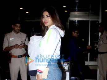 Photos: Urvashi Rautela, Vicky Kaushal, Mouni Roy and others snapped at the airport
