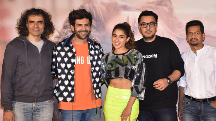 Kartik Aaryan and Sara Ali Khan grace the trailer launch of their film Love Aaj Kal (1)