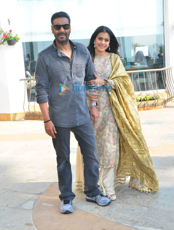 Photos: Ajay Devgn and Kajol snapped at San and Sand promoting the film Tanhaji – The Unsung Warrior