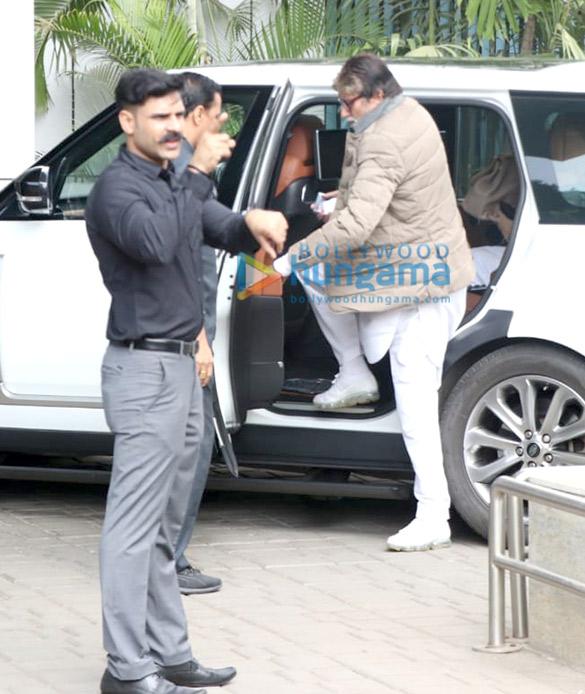 Photos Amitabh Bachchan and Aishwarya Rai Bachchan snapped at the airport in Kalina (3)