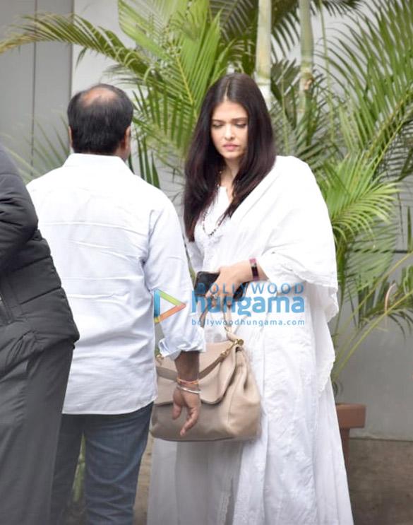 Photos Amitabh Bachchan and Aishwarya Rai Bachchan snapped at the airport in Kalina (4)