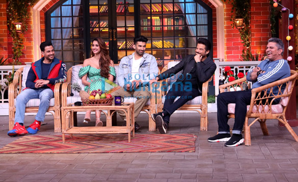 Photos Cast of Malang snapped on the sets of The Kapil Sharma Show (6)