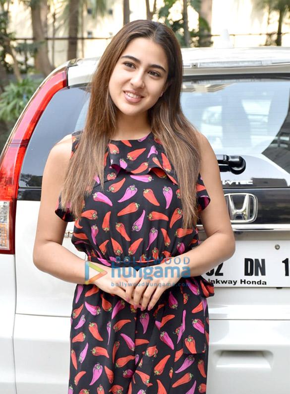 Photos Sanjay Dutt and Sara Ali Khan snapped at Aanand L Rai's office (2)