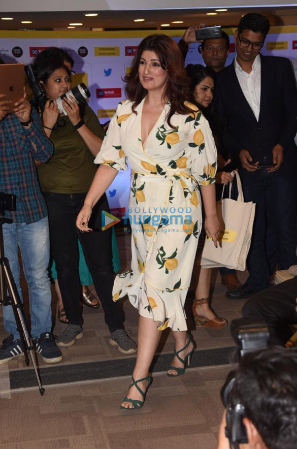Photos Twinkle Khanna snapped at Crossword Book Awards 2020 at Crossword Bookstores-0121 (001)