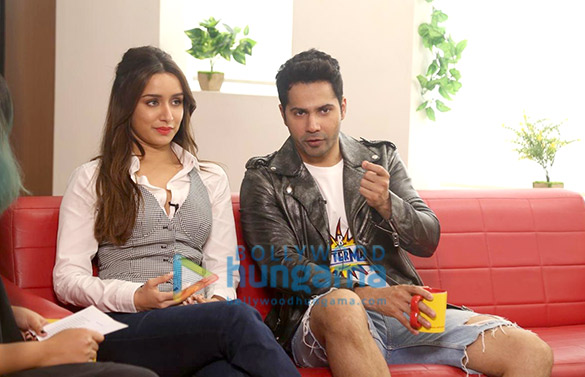 Photos Varun Dhawan and Shraddha Kapoor snapped promoting their film Street Dancer 3D at 98.3 FM Radio Mirchi office (3)