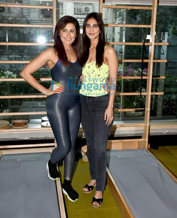 Photos Yasmin Karachiwala and Vaani Kapoor snapped in Khar (3)