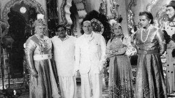 Rishi Kapoor shares rare photo of Prithviraj Kapoor, Dilip Kumar and the cast of Mughal-e-Azam with Italian filmmaker Roberto Rossellini