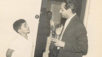 Rishi Kapoor shares a throwback picture with Pran, having 'man to man talk'