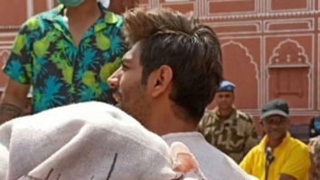 Bhool Bhulaiyaa 2: Kartik Aaryan holds Kiara Advani in his arms during romantic song shoot in this leaked video